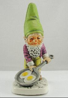 Vintage Goebel Figurine Kitchen Gnome Cooking Eggs #503 Rare Porcelain 8""