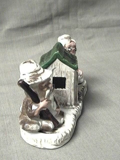 Pair of Ma and Pa and outhouse Salt and Pepper Shakers from Tennessee