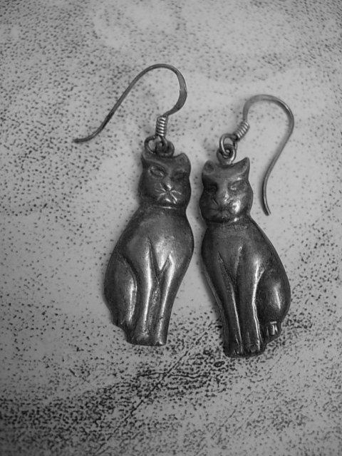 Vintage signed cat earrings sterling earrings spooky halloween cat Pierced earrings