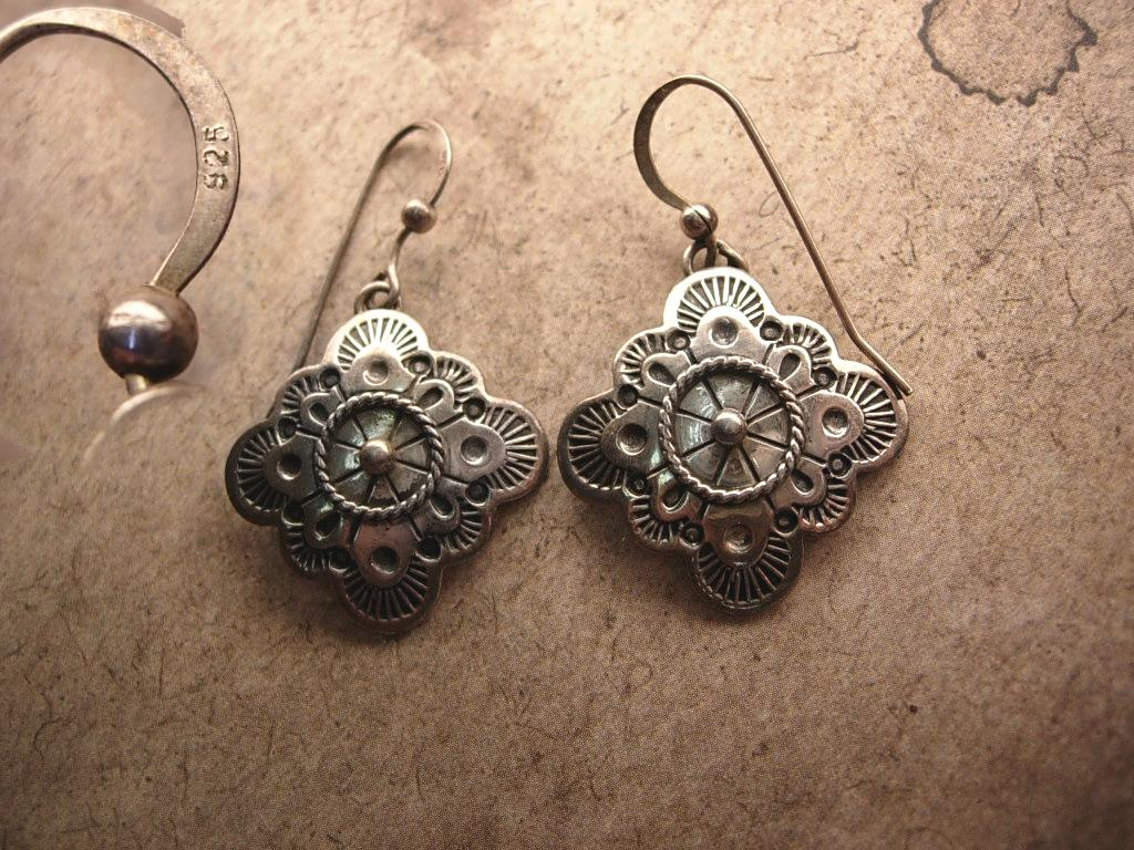 Vintage Signed Etruscan sterling earrings