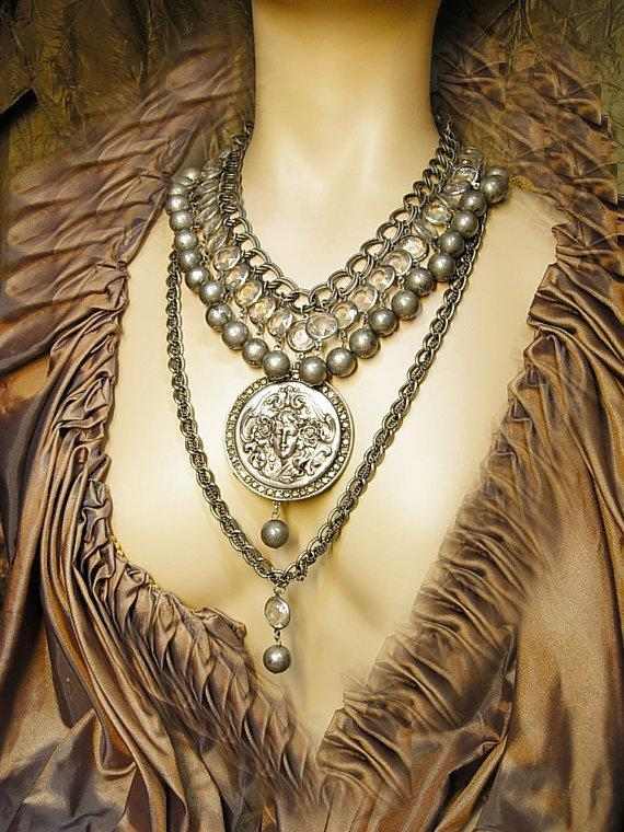 Dramatic collar necklace Magnificent Rhinestone Goddess Nouveau Cameo