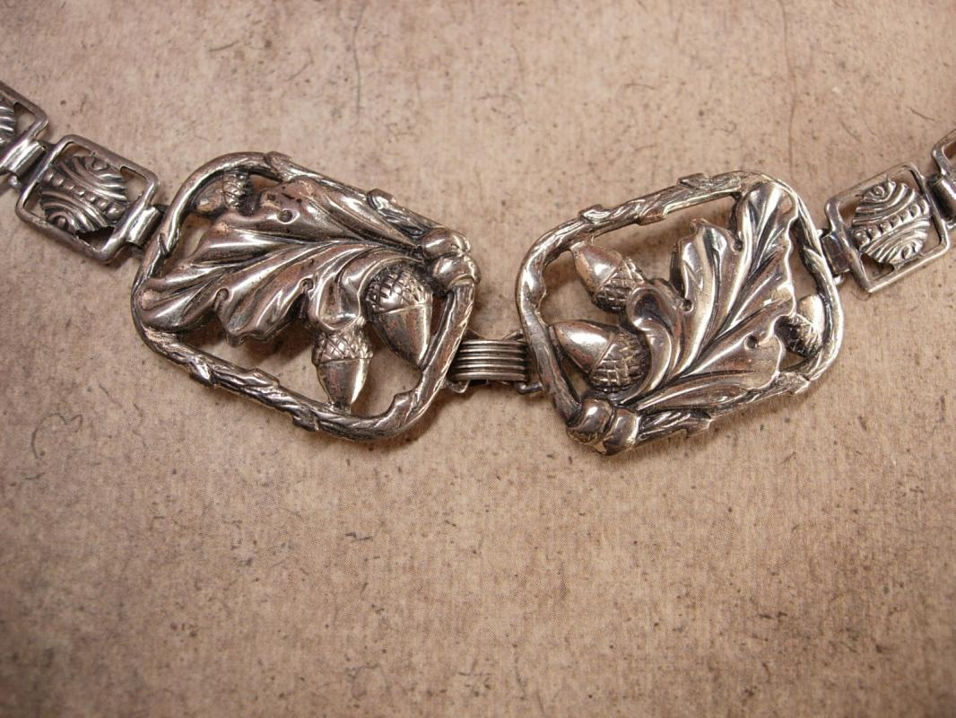 Vintage Art Nouveau Floral Mourning Bracelet Fancy Acorn links
