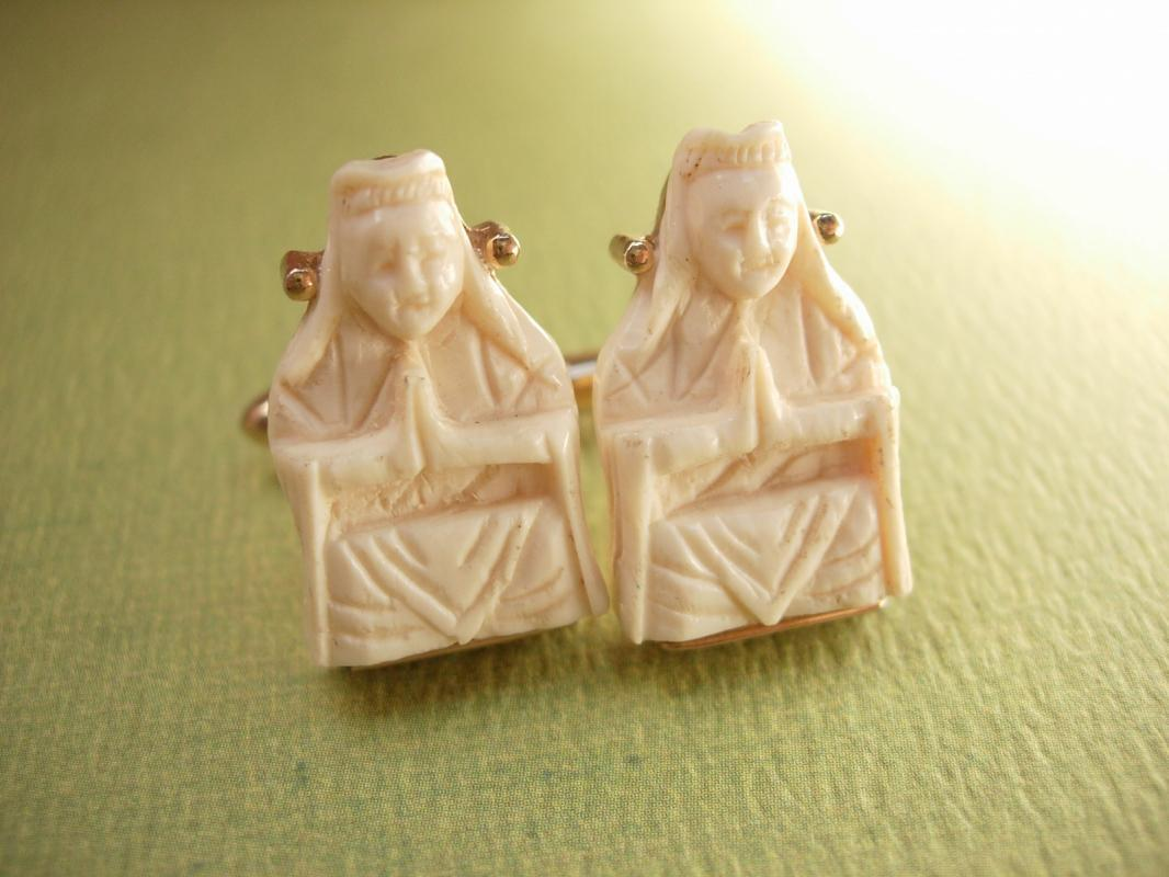 Swank Oriental Dynasty vintage cufflinks Carved Ivory Emperor and Emperess
