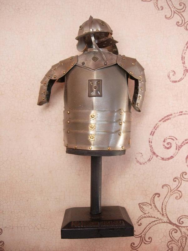 Vintage Military pol zbroja husarska Miniature Knight armour Armor ON original stand Medieval