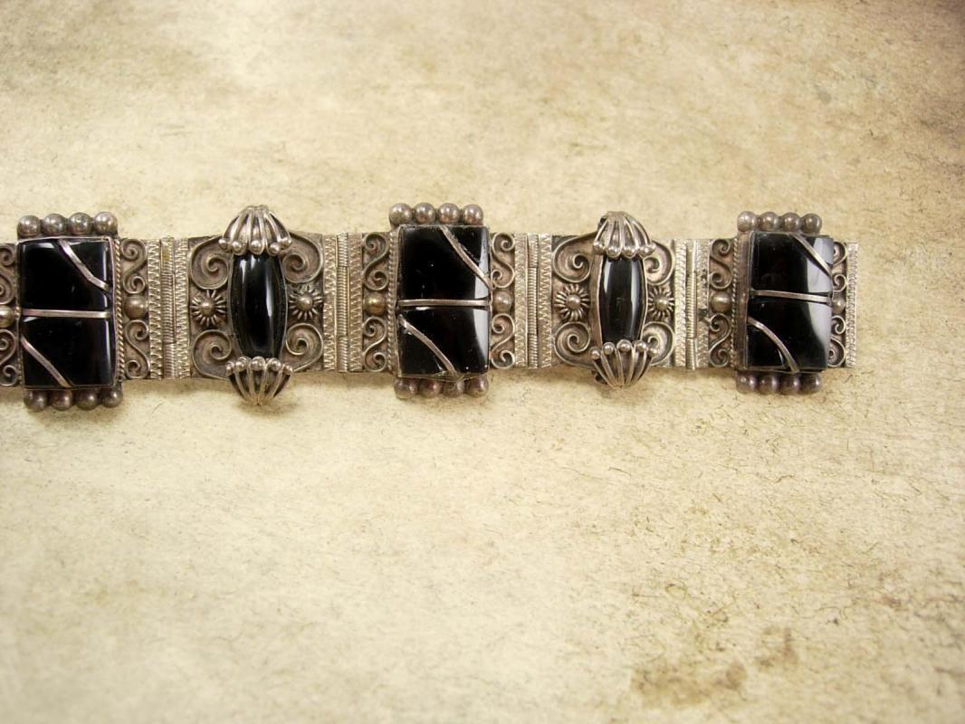 Vintage Nouveau sterling Bracelet Gorgeous metal work hinged signed black onyx Etruscan work