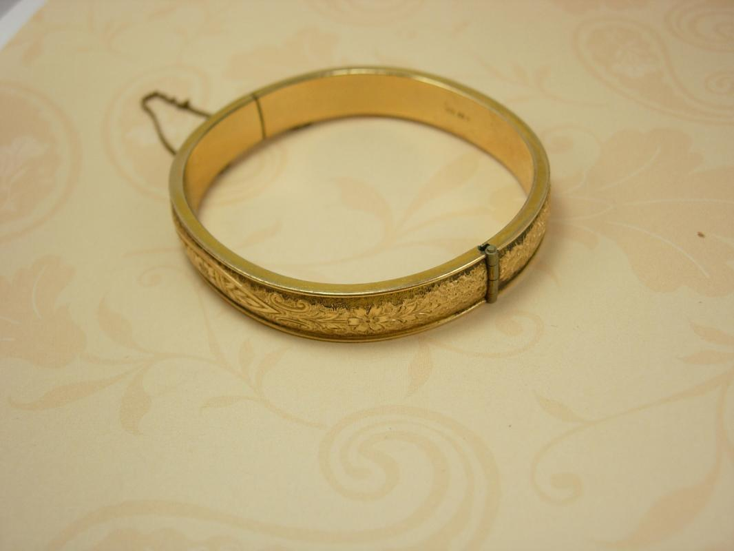 ANtique Victorian Bracelet Bangle Floral 12 gold filled hinged