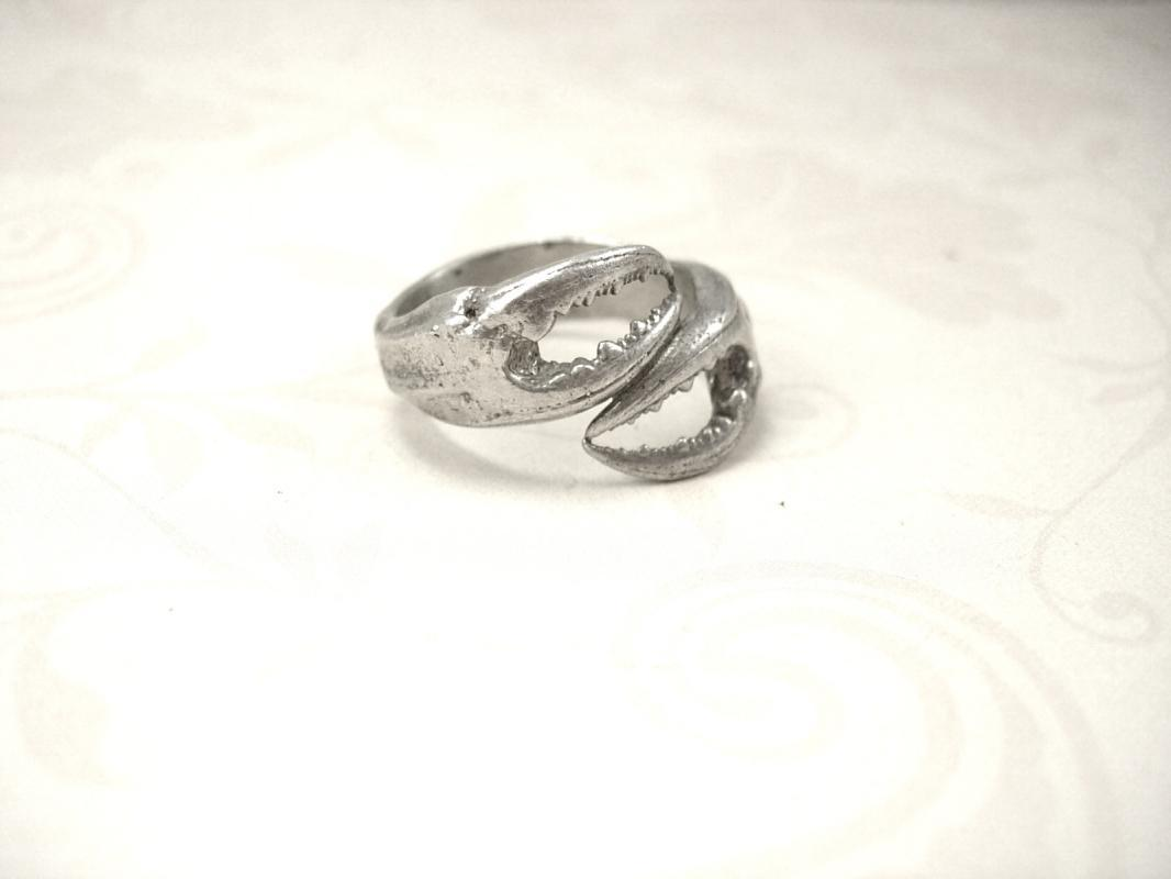 Vintage Bizarre Lobster Claw sterling Ring heavy sterling size 10
