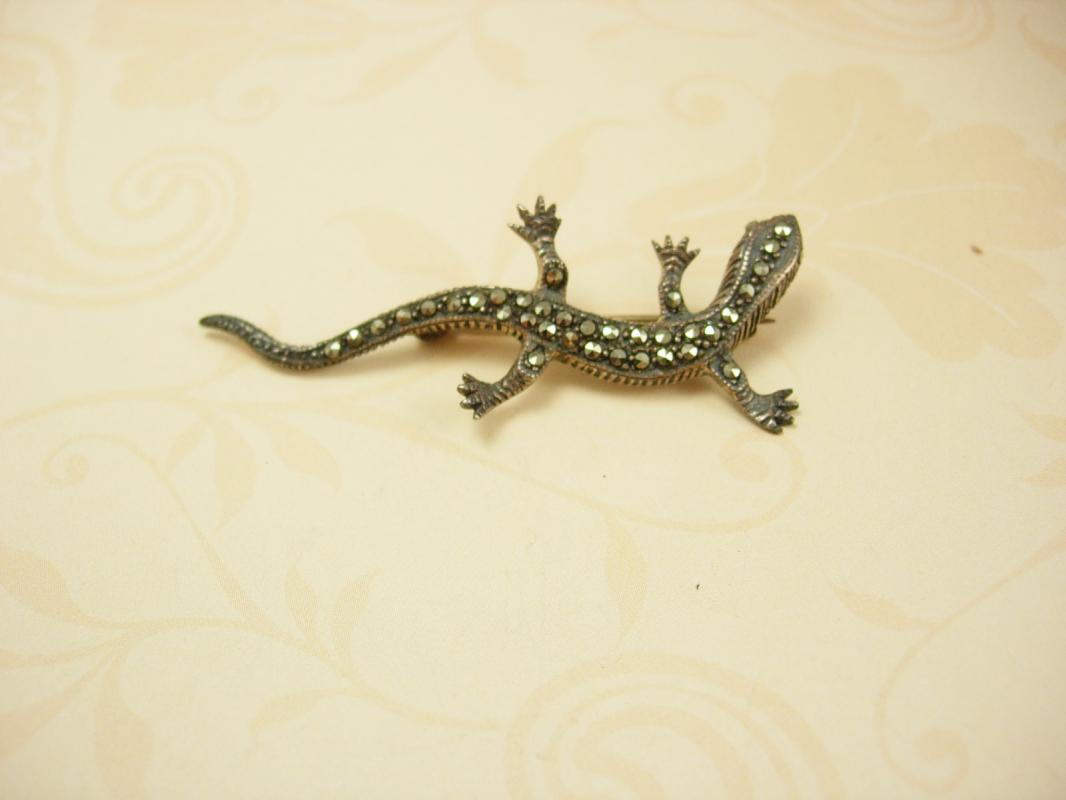 Vintage sterling Gecko lizard brooch loaded with sparkles
