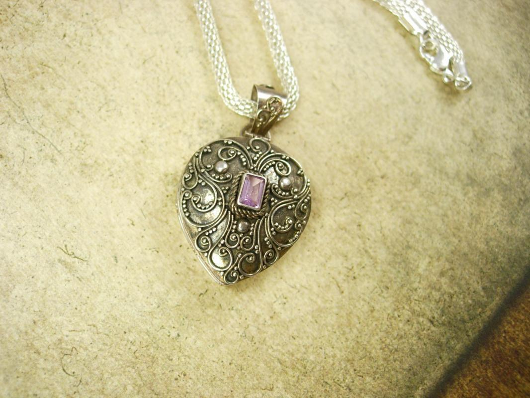 Vintage Amethyst Poison Heart Pillbox necklace locket etruscan pendant sterling