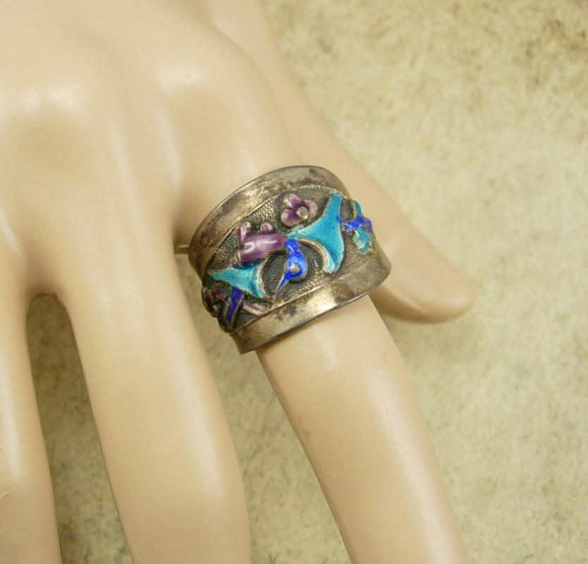 Antique Chinese enamel Bird Ring
