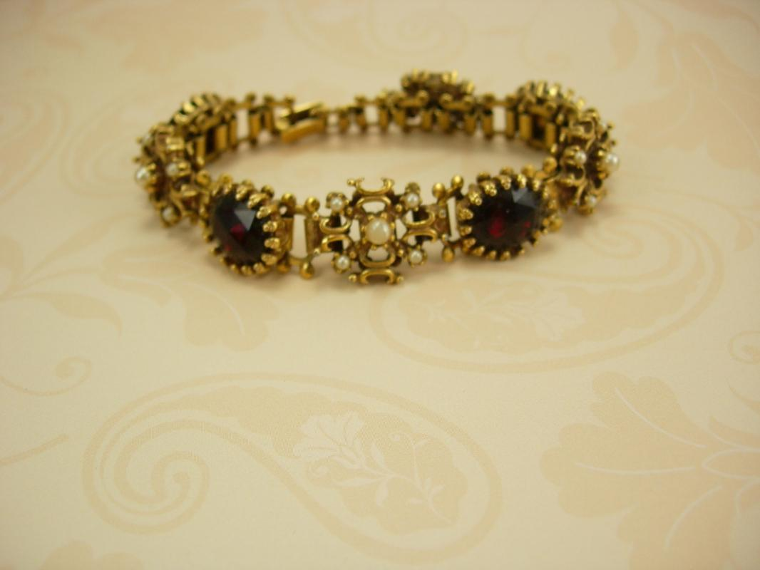 Vintage VIctorian Bookchain RED Bracelet Rhinestone and pearls