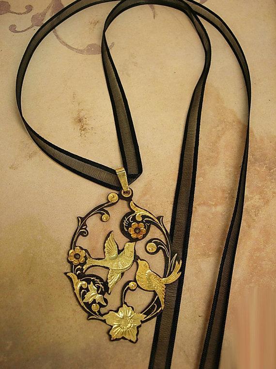 ANtique Saint de' espirit Necklace Holy dove in gold and japanned black metal