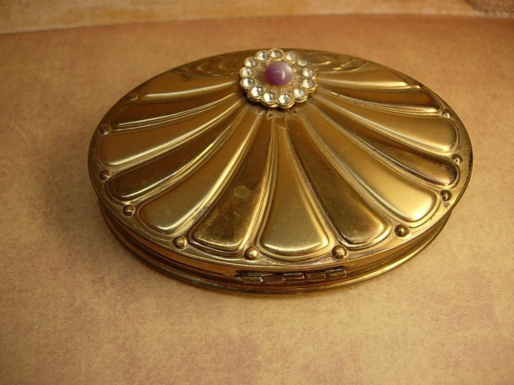 Vintage art deco Shell shape compact with rhinestones