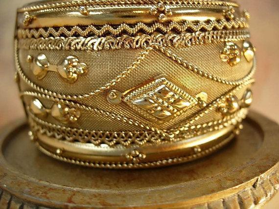 Vintage Bracelet Mythological Zeus with ornate metal work