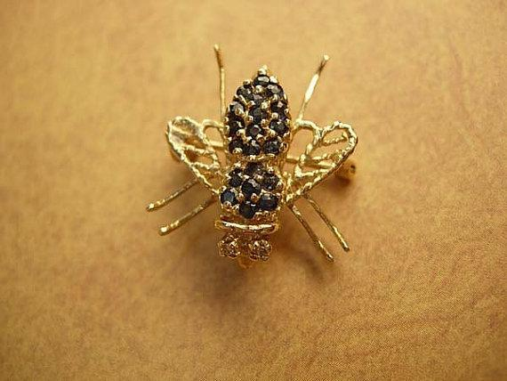 Vintage sapphire fly brooch 10kt gold with diamond eyes pendant too