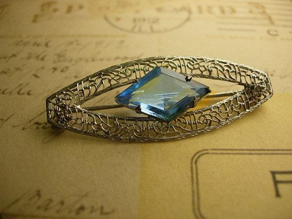 Antique Deco Filigree brooch faceted blue stone