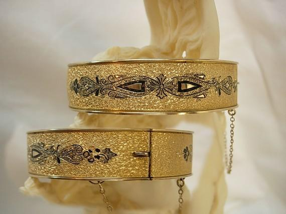 Victorian enamel bracelet  taille d' epergne Dunn Brothers wedding bangle