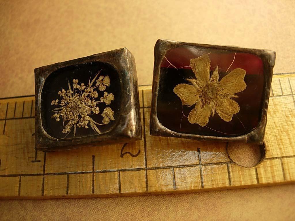 Victorian Memento mori Brooch Mourning flower