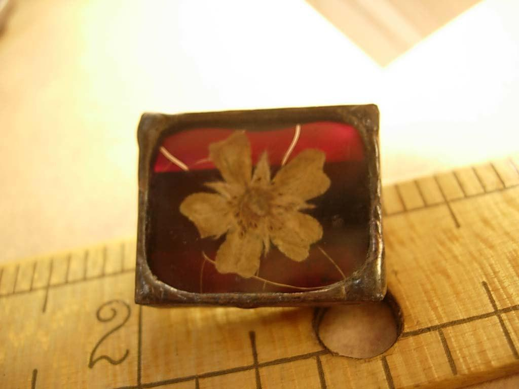 ANtique Mourning brooch Victorian flower token of love