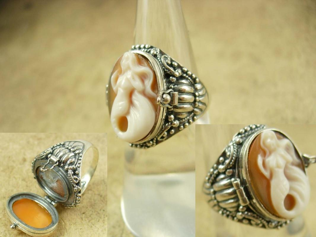 Vintage Sterling Poison RIng  Mermaid Cameo  Fancy setting hallmarked Mythical Nude Goddess siren