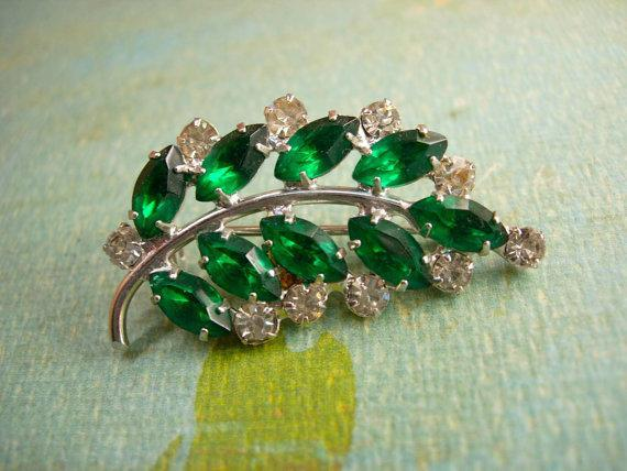 Vintage Open back Navette BRooch green rhinestone spray