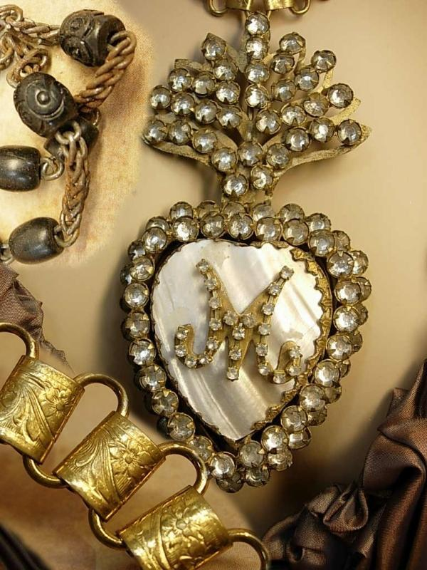 Sacred heart necklace Paste Ex voto Locket rosary bookchain hidden reliquary compartment