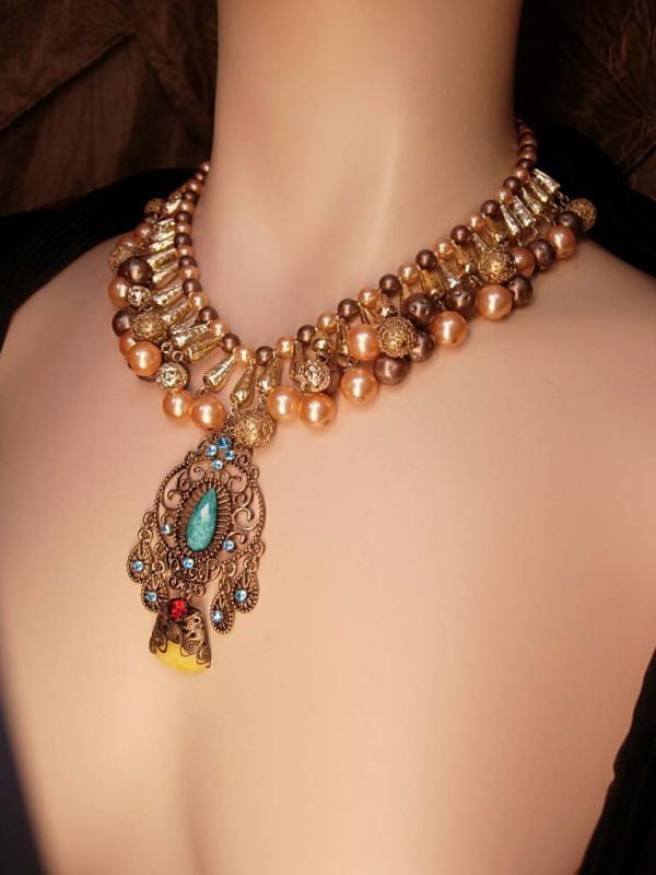 Vintage Pearl Festoon necklace Rhinestone filigree pendant bib choker