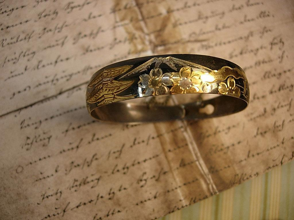 Antique Japanese bracelet Pagoda Mount Fuji and Cherry Blossom flower mixed metal buckle bangle