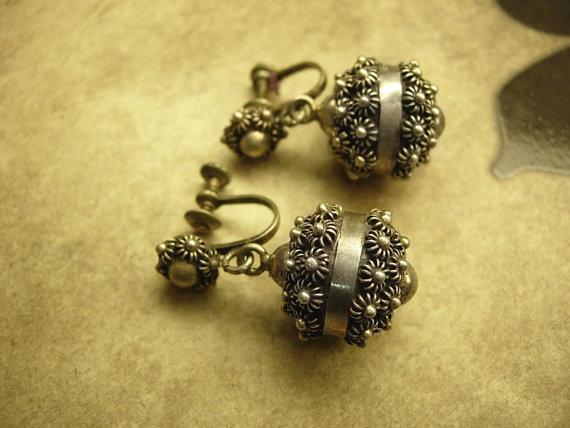 Medieval Antique sterling Etruscan drop earrings Screw backs