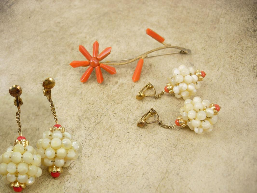 Antique Victorian Coral earrings and brooch Mother of pearl chandelier drops Genuine coral