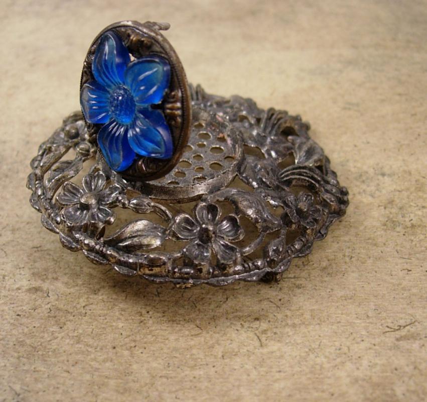 Vintage Rare Victorian Vinaigrette brooch  Scent PErfume locket pendant