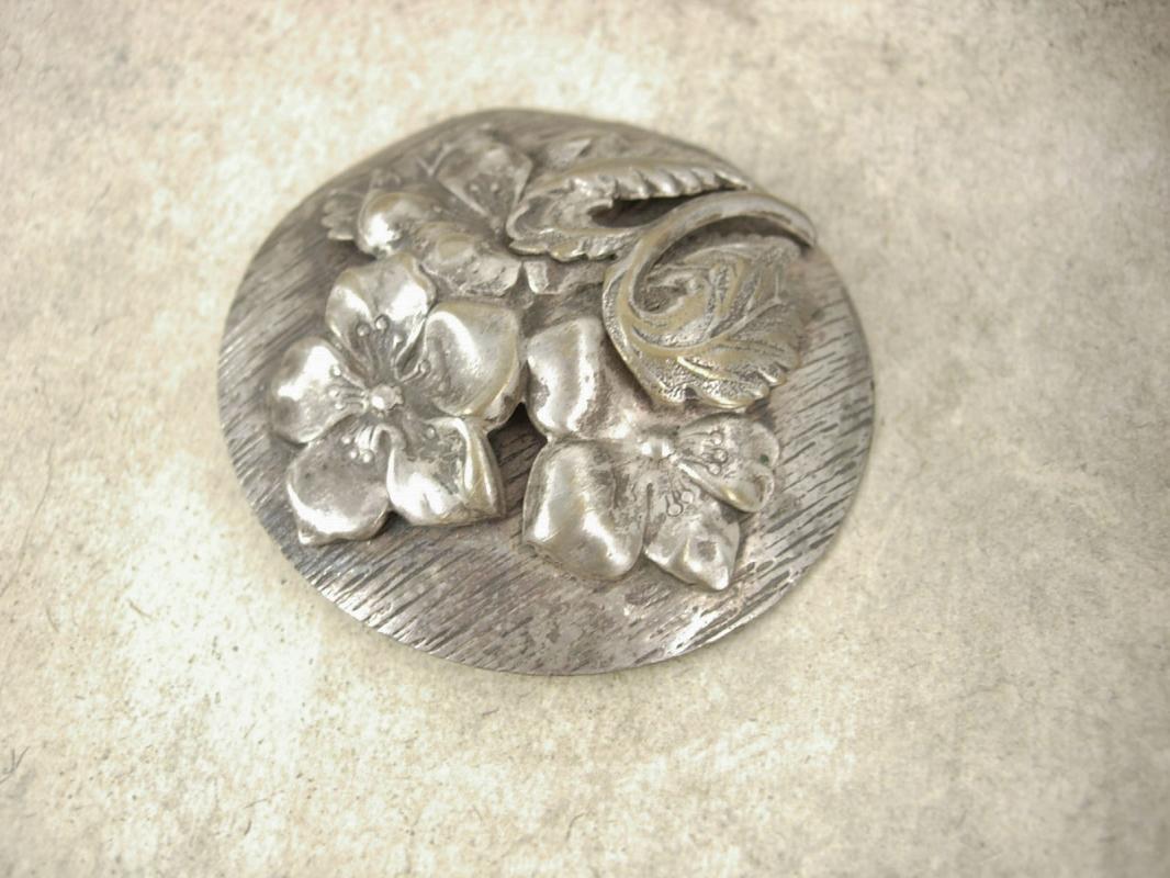 HUGE Vintage 1930s brooch NOUVEAU SILVER layered flower