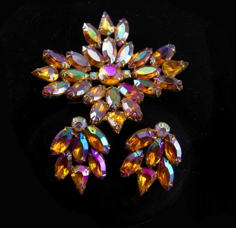 Statement demi Parure Vintage  BRooch earrings NY Designer WATERMELON RHINESTONE long navettes