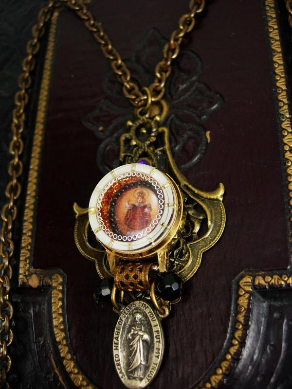 VIntage Infant of Prague Icon watch miniature sacred heart necklace