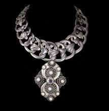 Statement necklace Art Nouveau Collar pearl rhinestone dramtic drop pendant