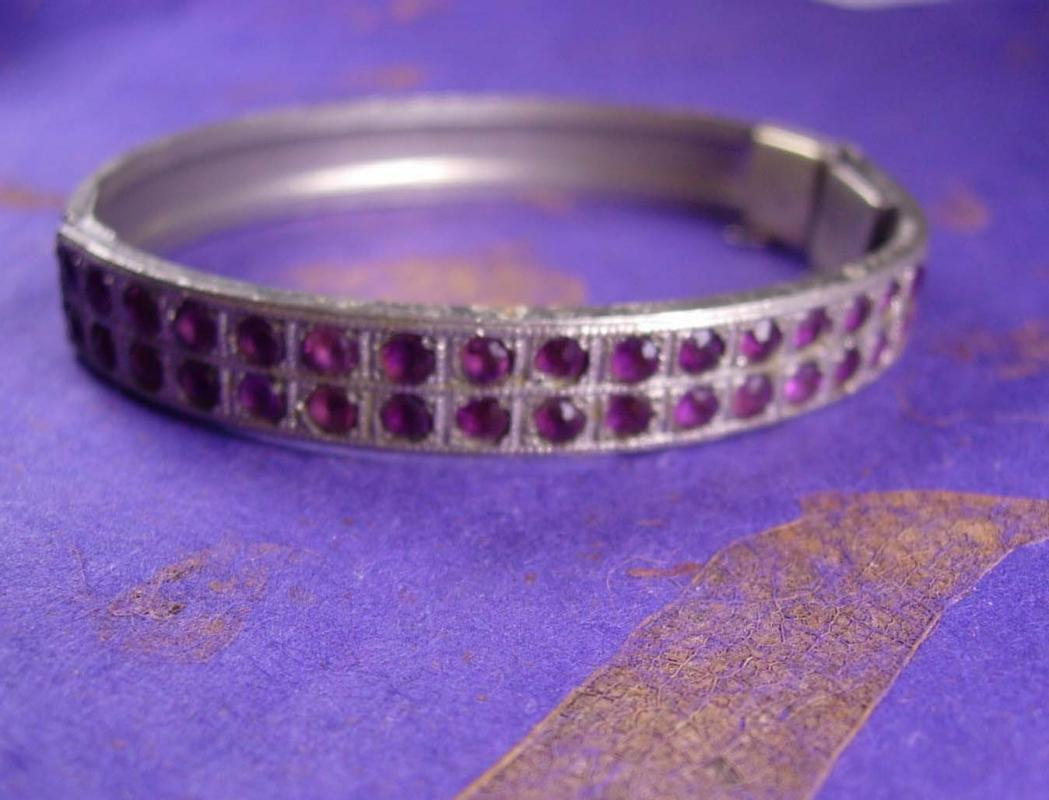 VIntage 1920s Bracelet art deco Pave Rhinestone rhodium hinged bangle