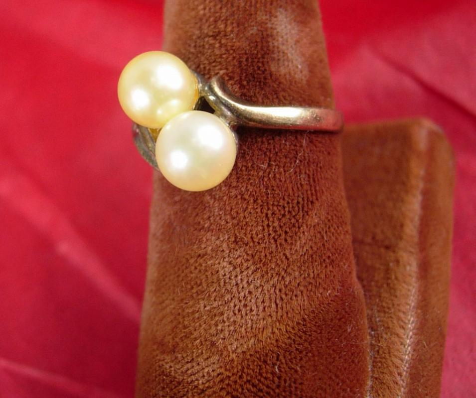 Vintage STERLING genuine TWO pearl RING size 6 gold nouveau design