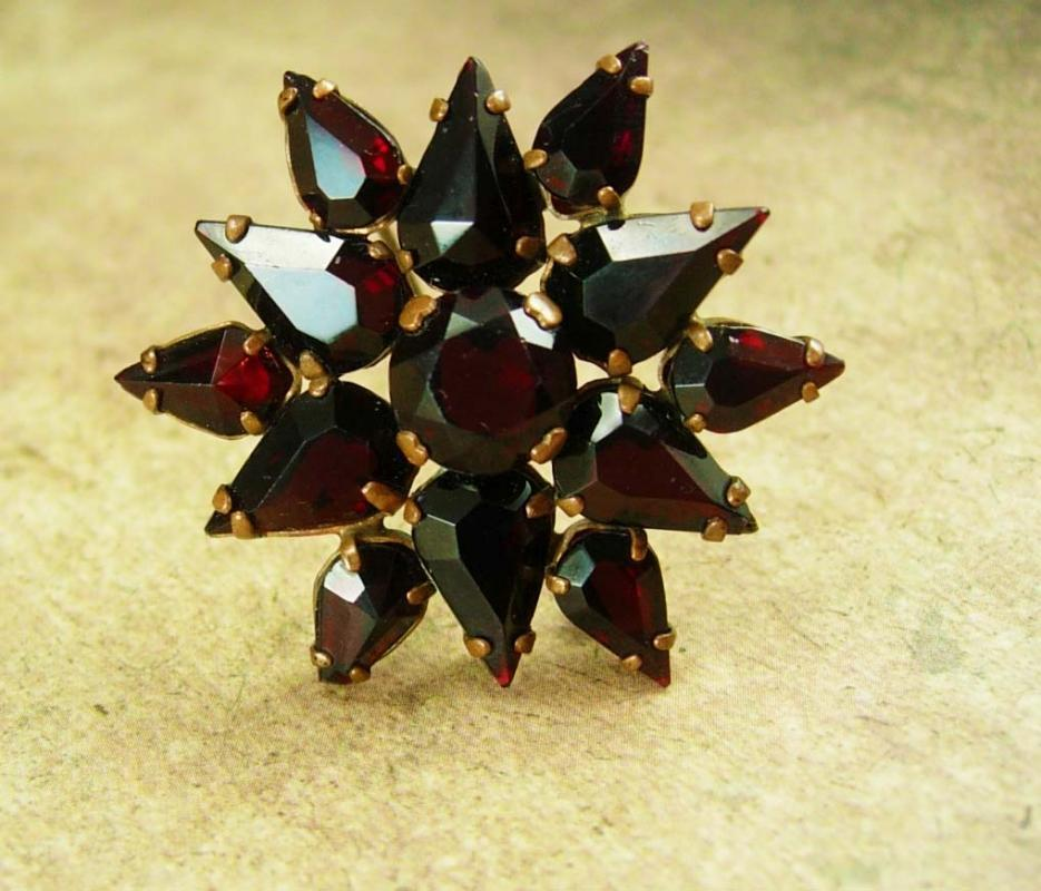 Antique BOHEMIAN GARNET Brooch Cluster star brass teardrop red brass vintage costume jewelry