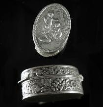 Antique Miniature box Silver CHERUB Italy patch Snuff box Italian renaissance Angels wedding ring holder case