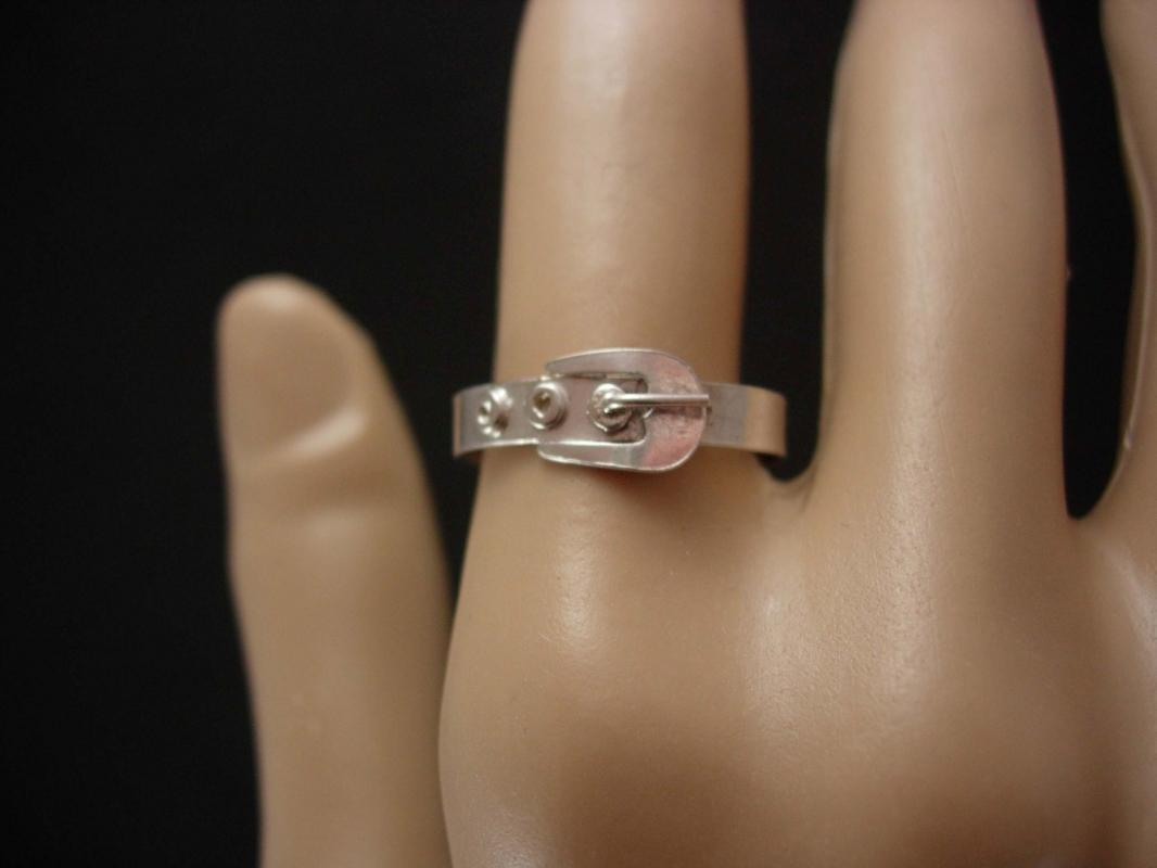 Vintage sterling Victorian Buckle ring Size 7 1/2 silver eternity wedding band promise ring