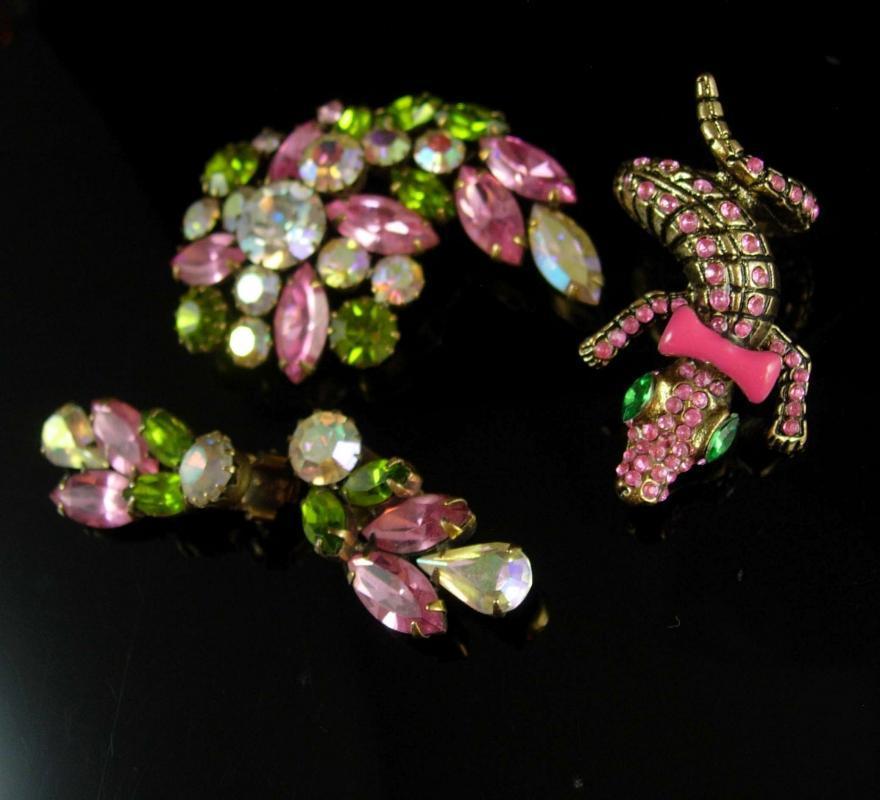 Vintage stunning signed Weiss Brooch earrings & matching lizard ring clip on earrings rhinestones parure
