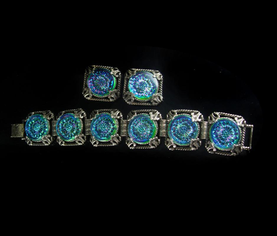 Bookchain Bracelet Stunning stone Vintage Glass Bracelet clip on earrings molded irridescent blue demi PARURE huge 8