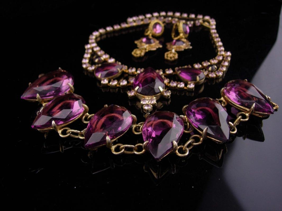 Vintage Purple statement bracelet / glass rhinestone necklace / amethyst color clip on earrings / gold demi parure / bib necklace