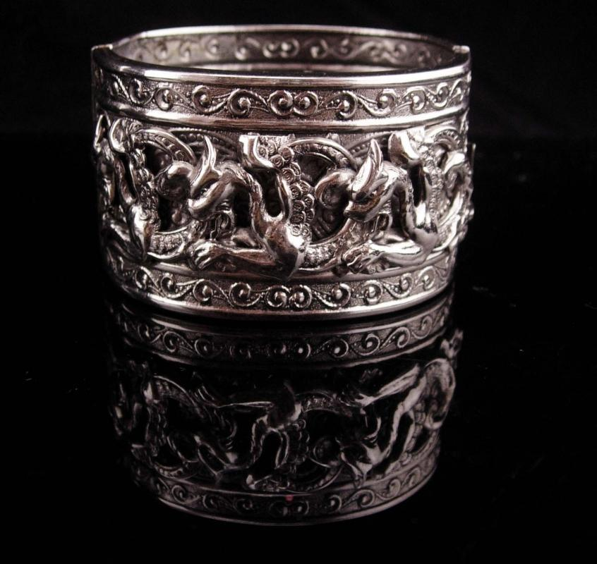HUGE Bracelet / Dragon cuff / Vintage medieval winged Dragon / silver tone Bangle / Mythical creature Gothic renaissance revival