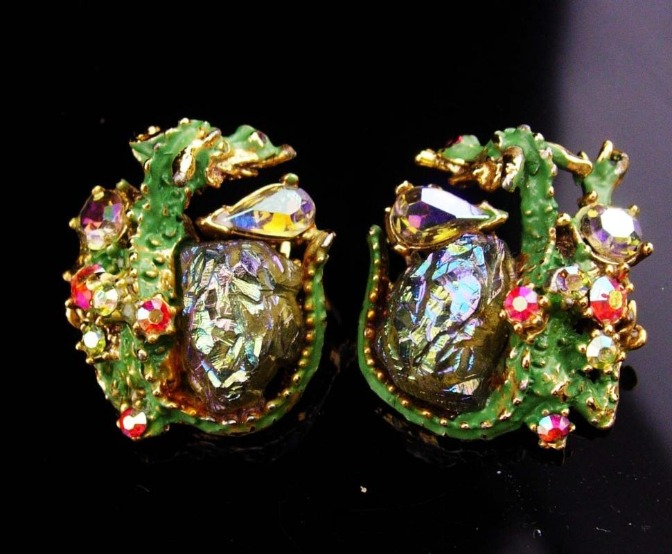 Har earrings / Dragon clip on set / Lava glass earrings / Vintage signed set / Rhinestone creature / aurora borealis stones / Chalcopyrite