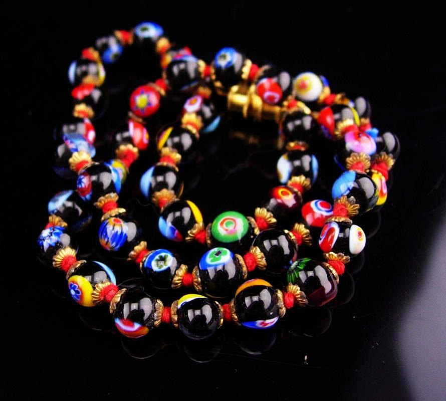 Vintage millefiori necklace / glass choker / vintage Hand knotted necklace / Italian Glass  / 16