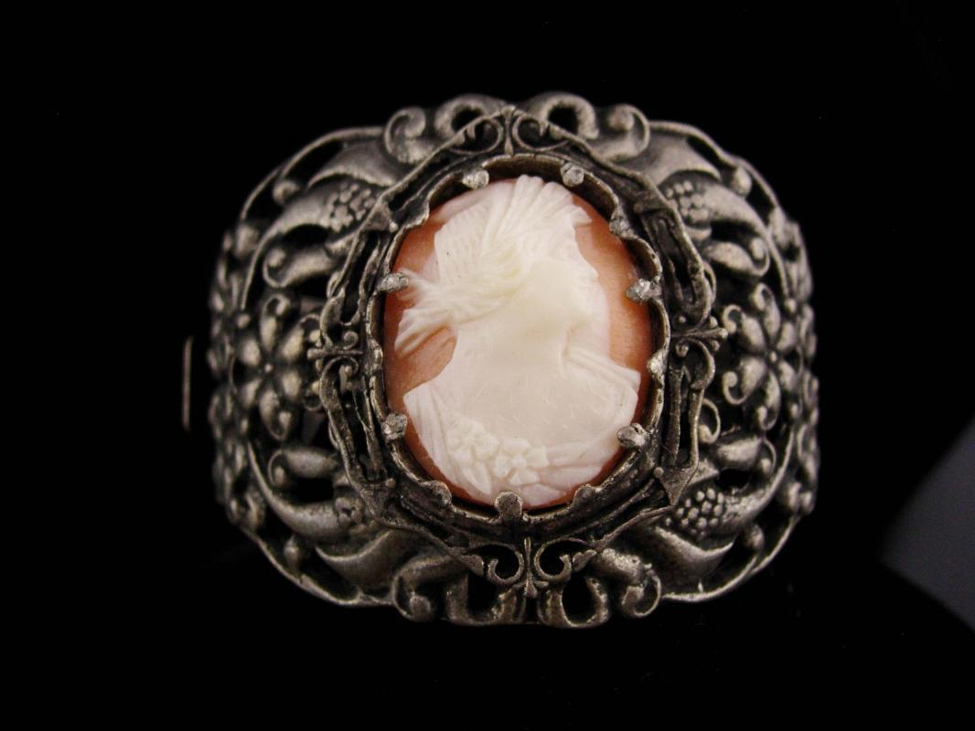 Antique Cameo Bracelet / genuine cameo / 2