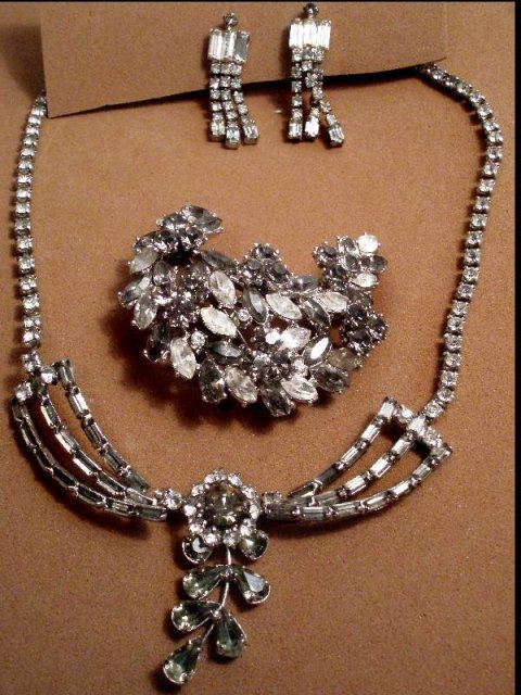 Early Signed Trifari LAYERED Parure PURE GLITZ
