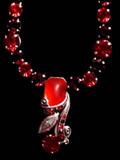 RICH RED DROP necklace UNUSUAL CHAIN PRETTY