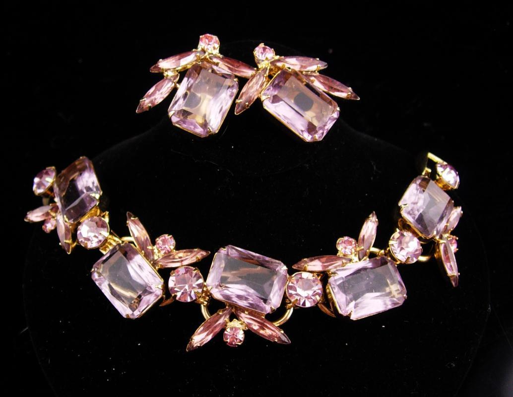 Dripping In purple / Vintage Juliana bracelet / clip on earrings / cluster bracelet set / Amethyst glass / demi parure / estate jewelry